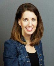 Amy Capcara Headshot